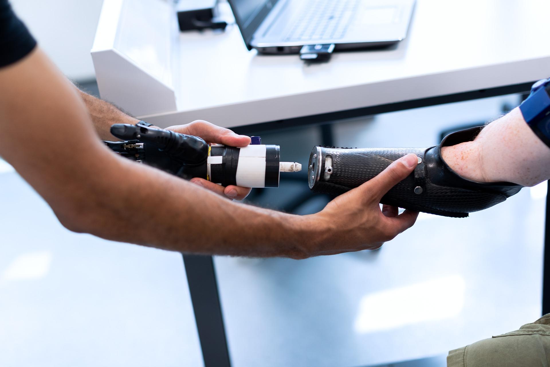 הערכת טכנולוגיה רפואית האם שימוש ברובוטים מעלה את אחוזי הרשלנות