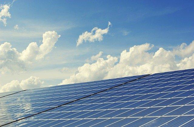 מרוויחים כסף מהשמש: איך עובדת מערכת סולארית?